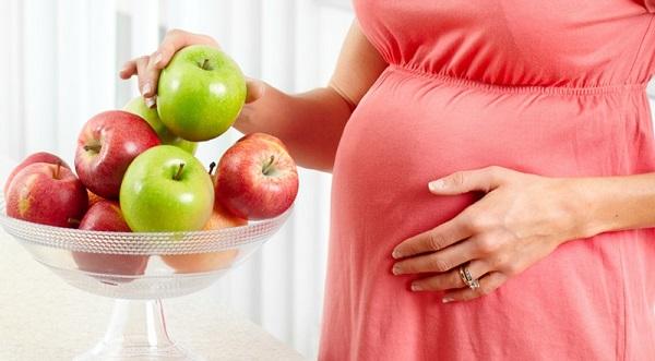 Ăn táo thường xuyên giúp bà bầu nâng cao sức đề kháng